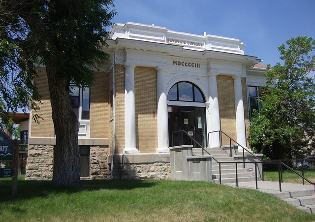 livingston public library facade